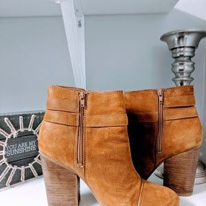 Suede leather Lucky ankle boots